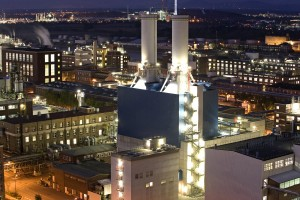 Mit GuD-Kraftwerken effizient Strom gewinnen / Generating power efficiently with cogeneration plants