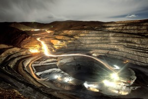 SilverStandard_San_Miguel_open_pit_Night_view